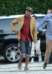 Pharrell+Williams+CHANEL+DINNER+NRDC+Celebration+8Cvp1D0qnJZx
