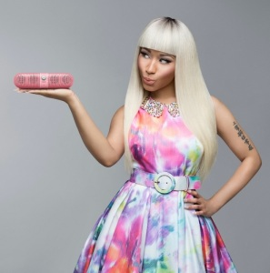 Nicki-Minaj-pink-pill-alice-olivia-fashiondailymag