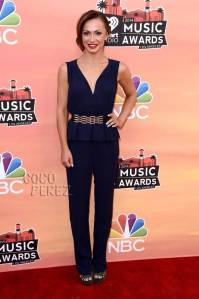 iheartradio-music-awards-2014-karina-smirnoff-red-carpet__oPt