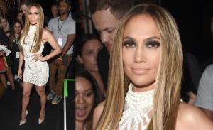 iheartradio-music-awards-red-carpet-jlo