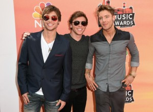 Singers+Keaton+Stromberg+Arrivals+iHeartRadio+AbyCz03VxStl