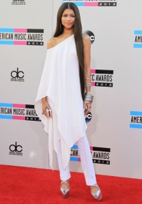 zendaya-coleman-2013-american-music-awards-04