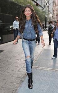 zendaya-coleman-in-jeans-out-and-about-in-new-york_2