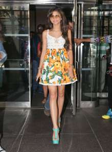 Zendaya-Coleman-in-Short-Dress--17