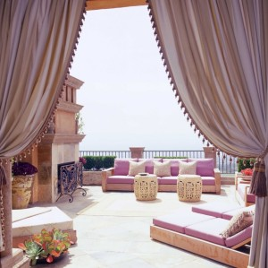 luxury-living-room-in-outdoor-with-pink-color-and-nice-curtain-interior-designing-interior-design-styles-inspiring-italian-interior-design-984x982